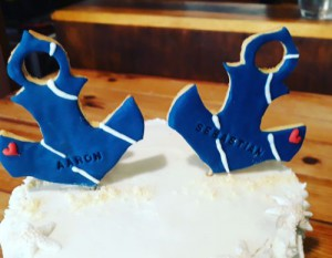 Anchor biscuit or cake toppers 500