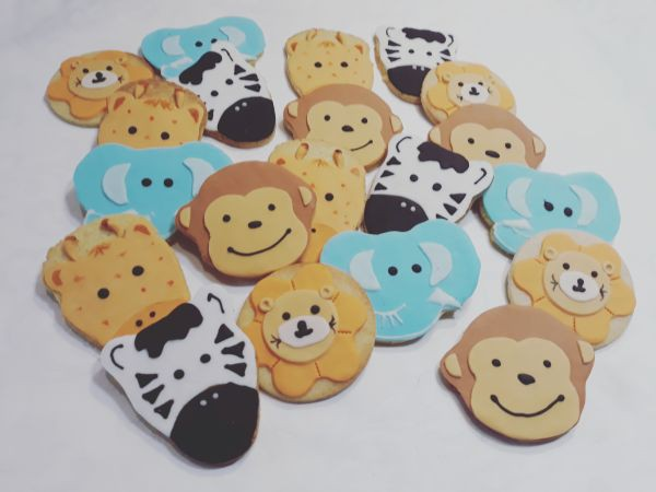 Baby shower animals biscuits