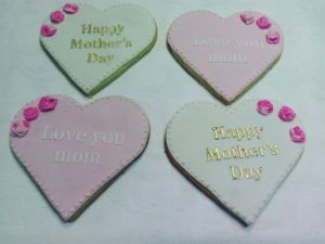 Mothers Day biscuits - D