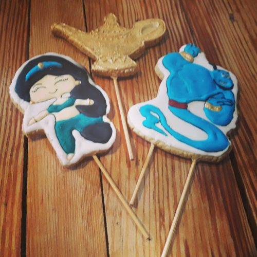 Homemade Aladdin Cake Biscuit Toppers 500