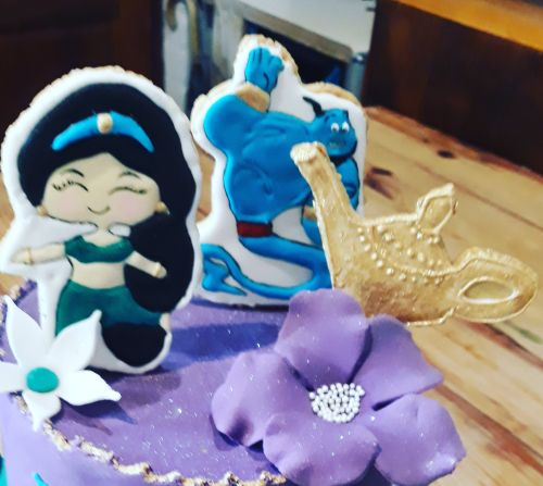 Alladin Cake toppers from biscuits cookies 500
