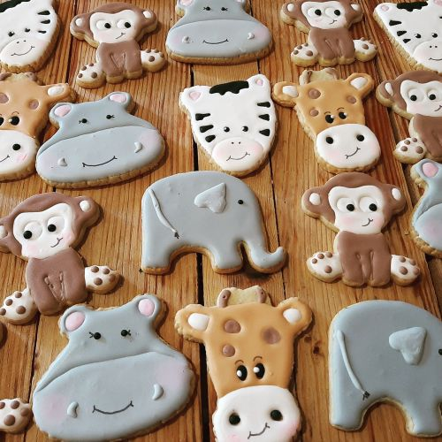 Homemade Baby shower biscuits 500