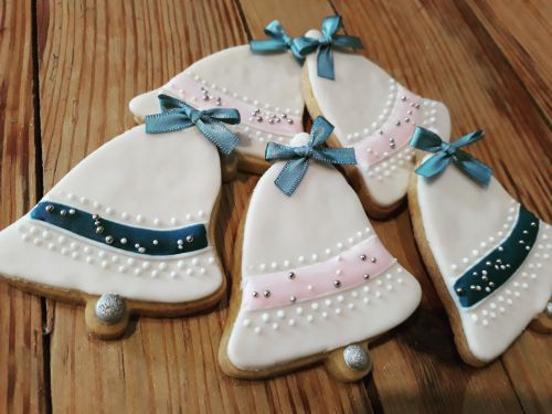 Christmas Bells Biscuits For Pandora Jewellers 500