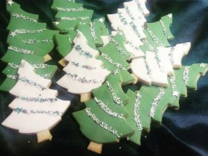 Christmas-Tree-Biscuits