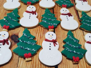 Christmas trees and Snowmen 600