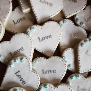 Homemade biscuits: Lesley wedding hearts 300