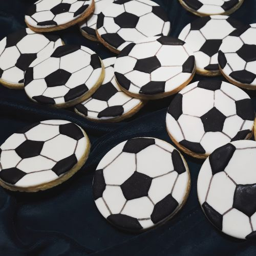 Homemade biscuits: Soccer Balls 500