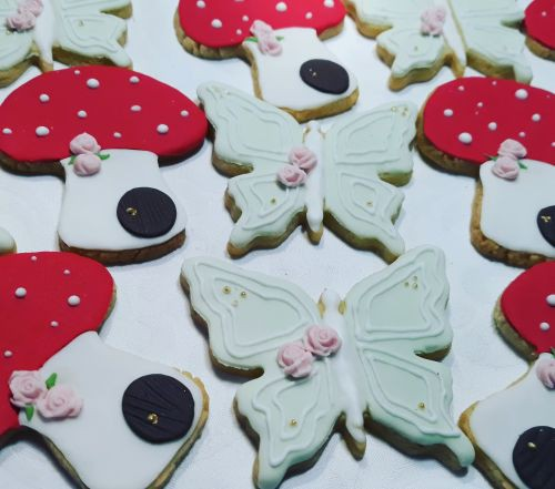 Homemade Tinkerbell biscuits 500