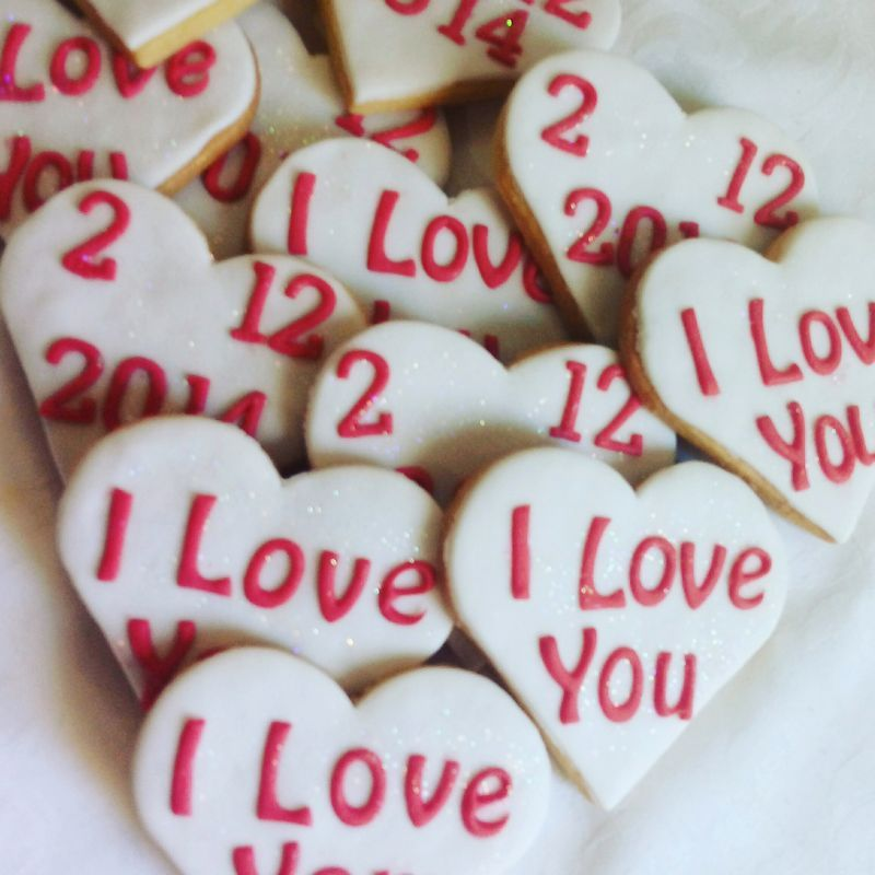 Homemade biscuits: Wedding & engagement  I love you & 800