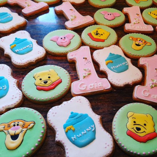 Winnie the pooh homemade birthday biscuits 600