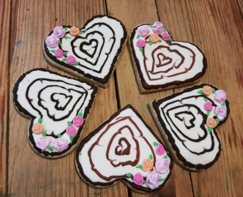 Homemade Wood themed heart  - biscuits/cookies 600
